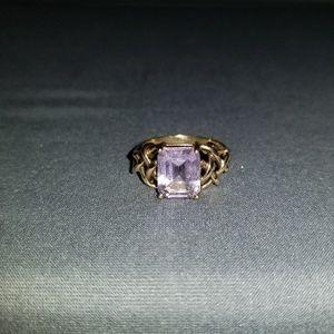 Beautiful 10k Gold Purple Stone Ring 💜